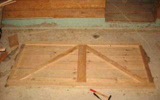 Дверь из деревянных досок в сарай – просто и надежно