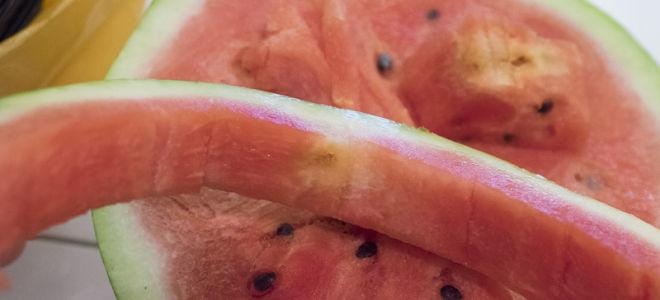 Почему арбуз желтый внутри