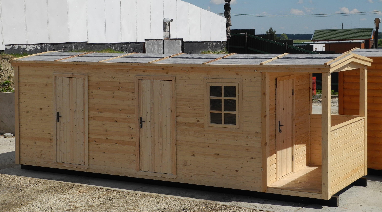Душ и туалет с бытовкой из дерева для дачи под одной крышей