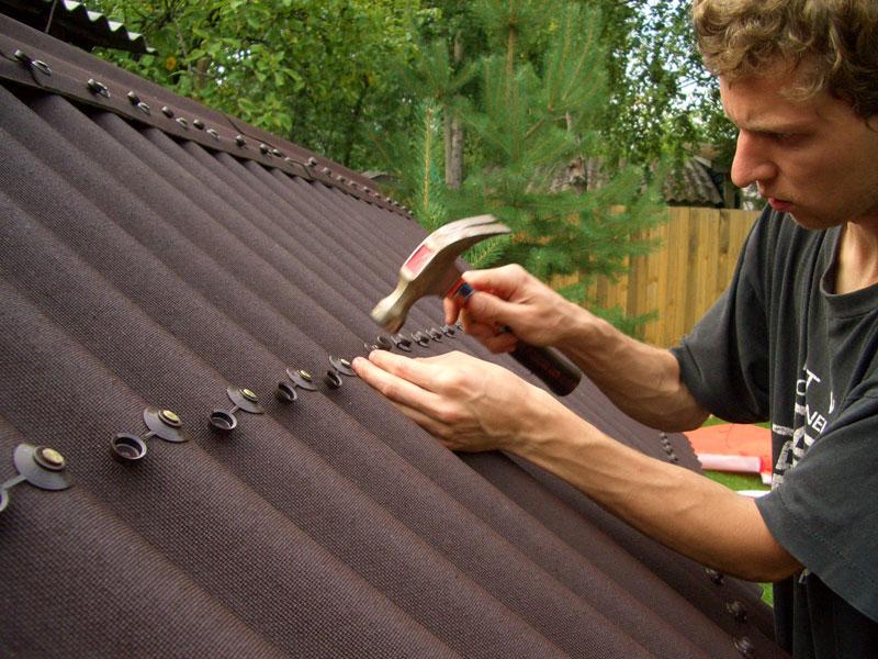 Как покрыть крышу ондулином самостоятельно