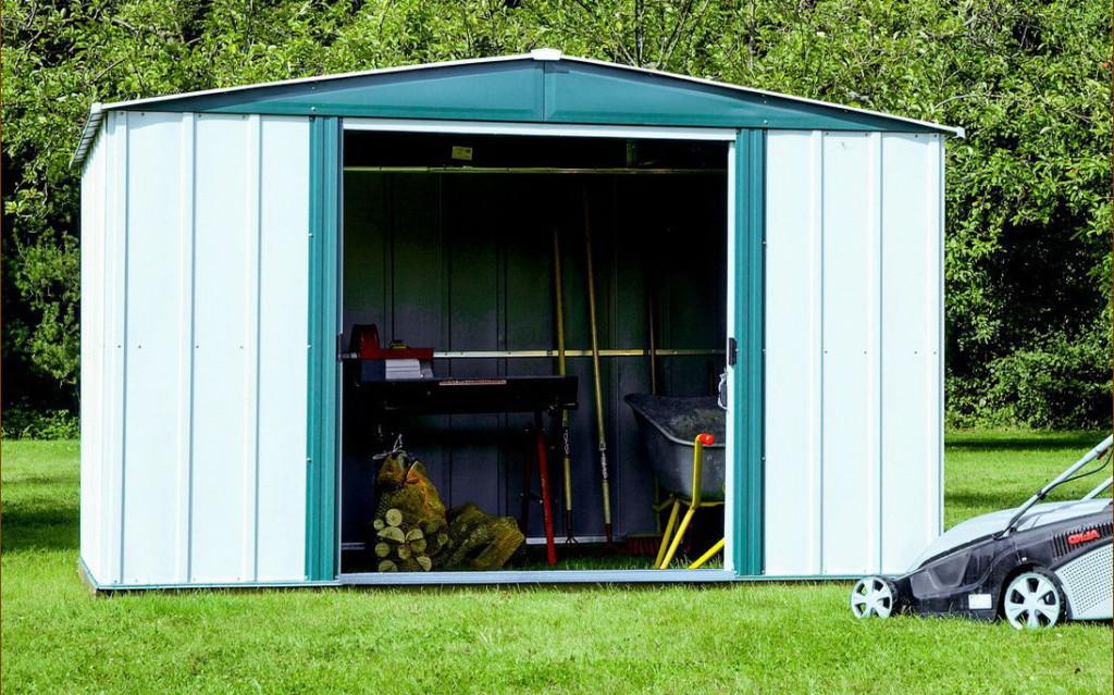 Как самостоятельно построить сарай из профнастила на дачном участке