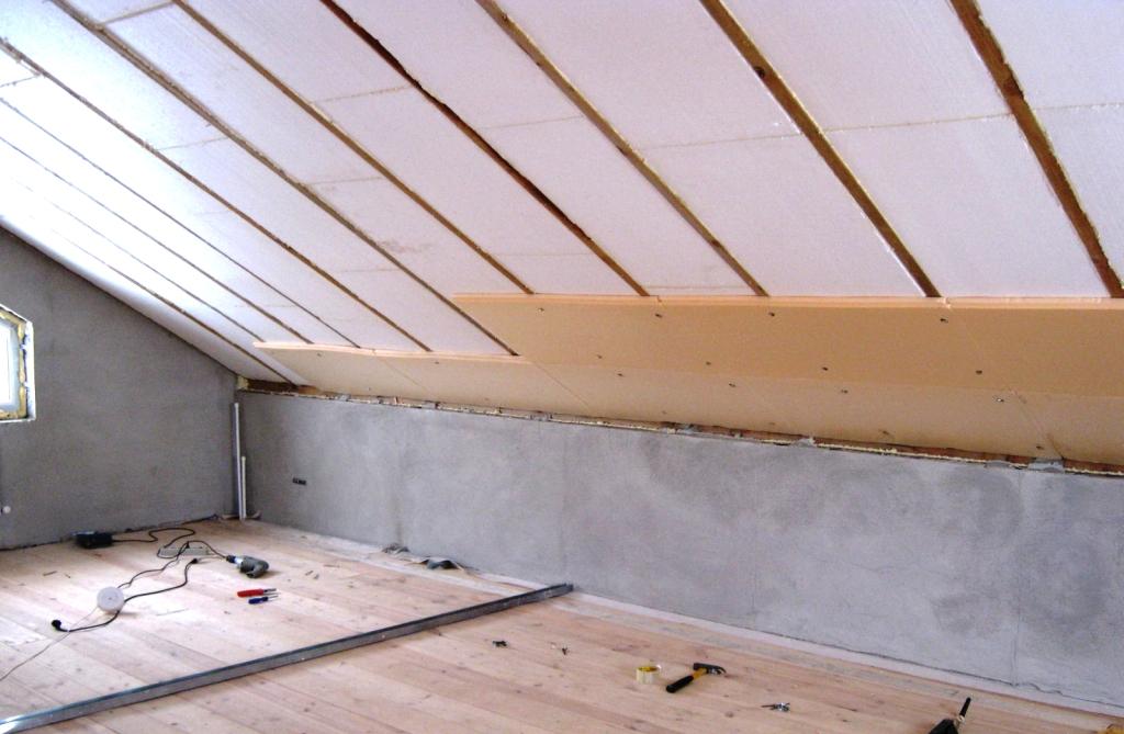 Как утеплить крышу мансарды с помощью пенопласта