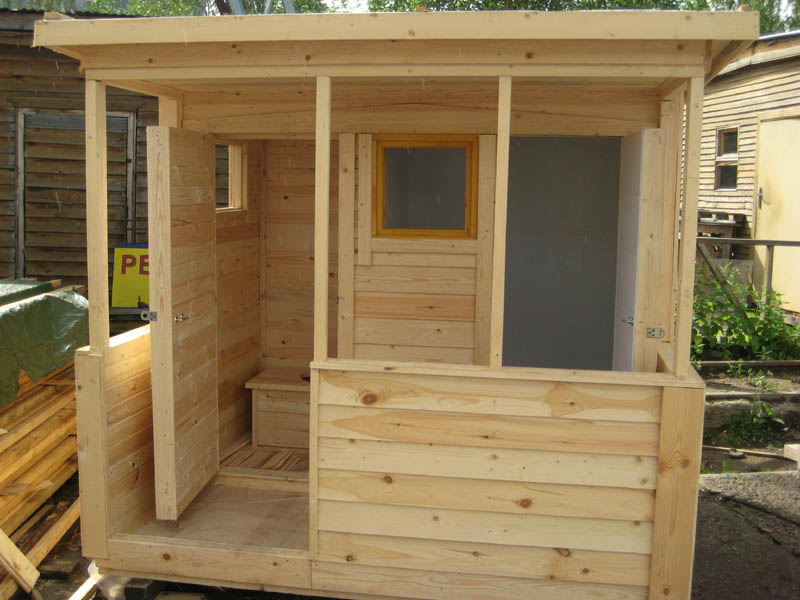 Летний душ и туалет для дачи под одной крышей