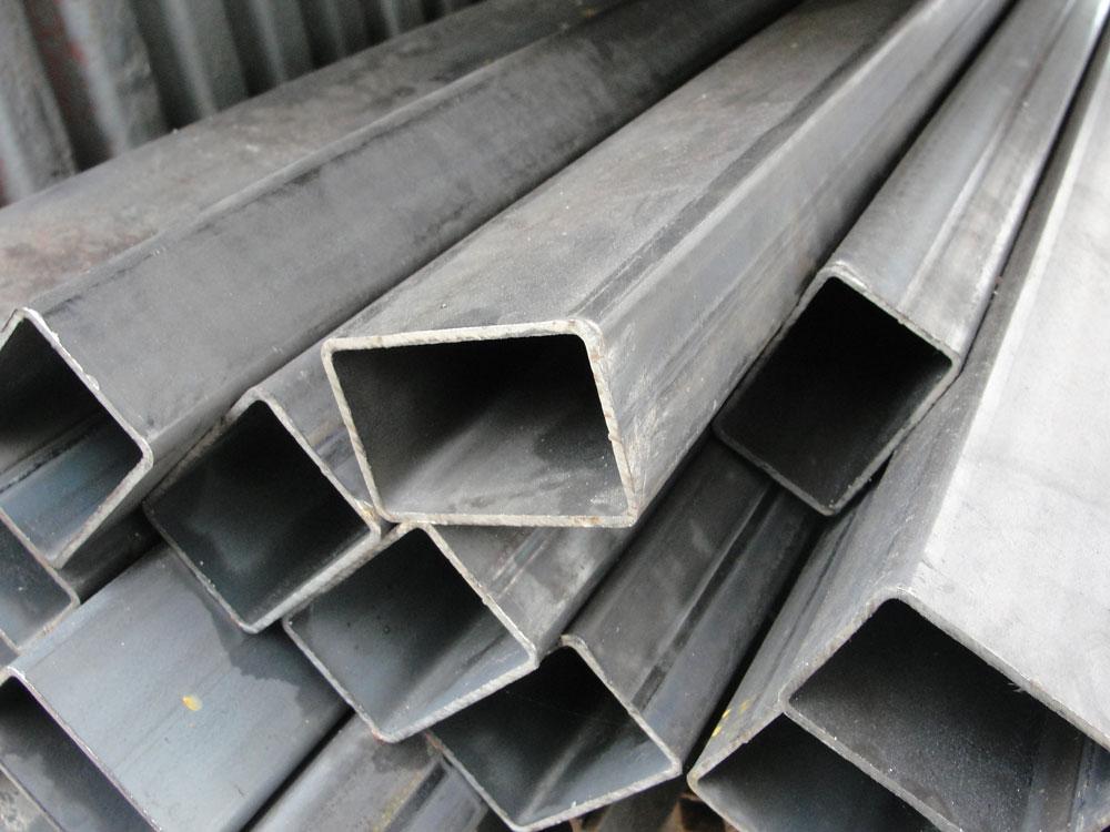 Металлические полые столбы для навеса