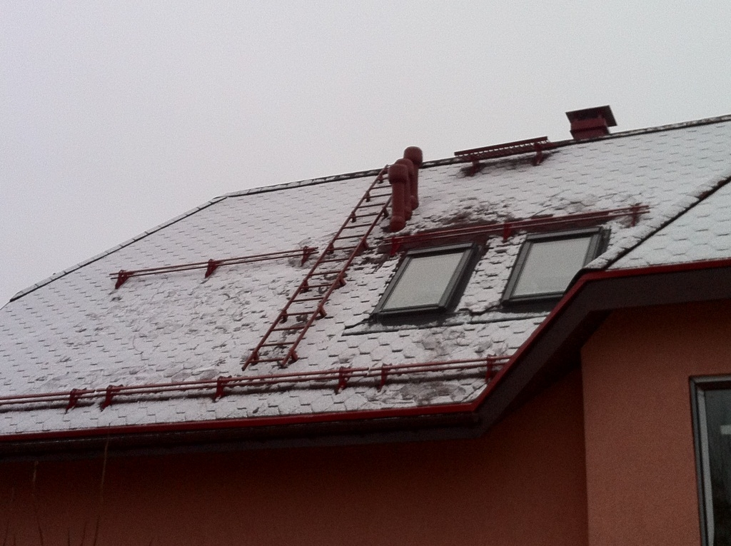 Простая и надежная лестница для крыши