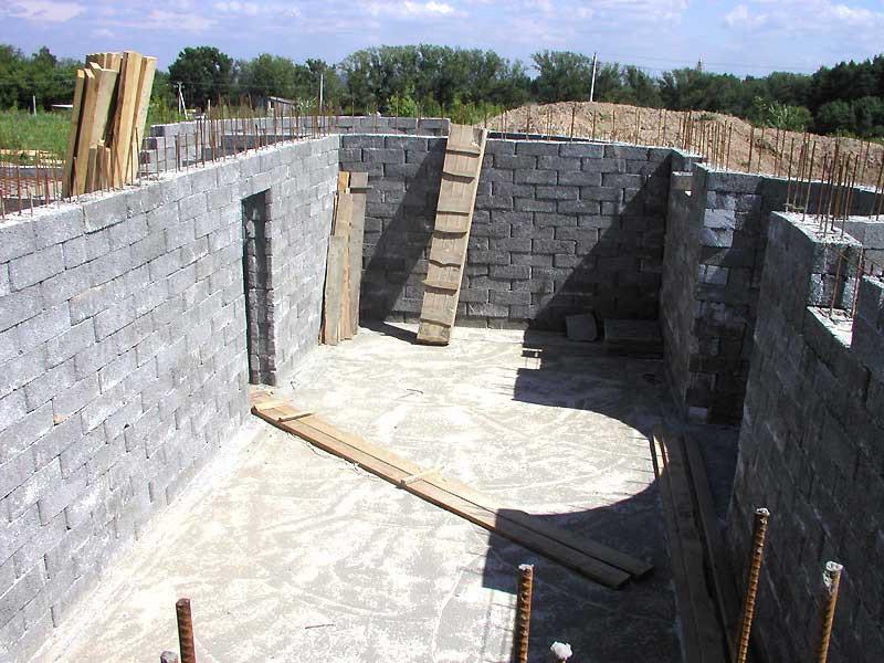 Стены подвала из пеноблоков