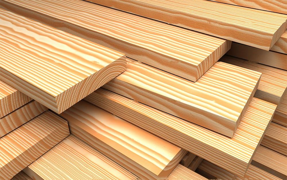 Строганная доска из лиственницы для деревянного забора
