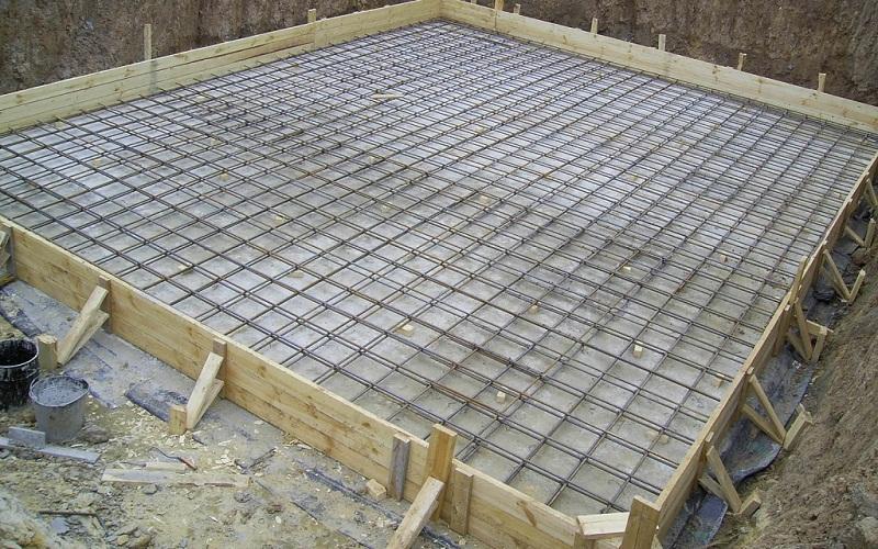Как залить монолитную плиту под фундамент самостоятельно