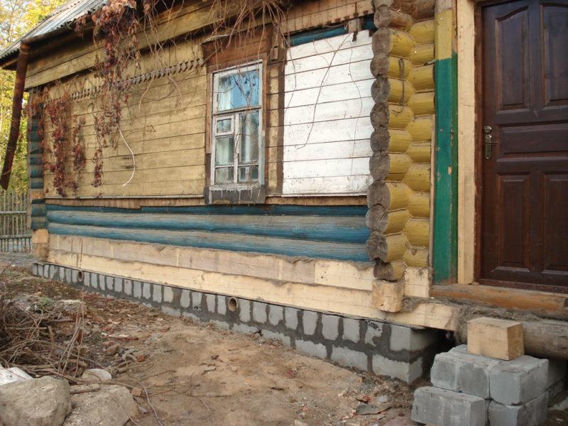 Укрепление фундамента деревянного здания
