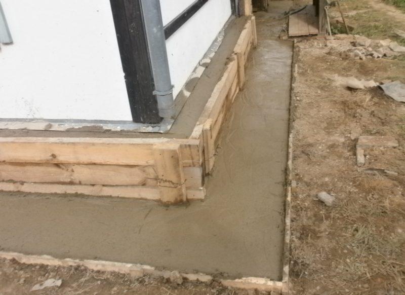 Укрепление фундамента кирпичного дома