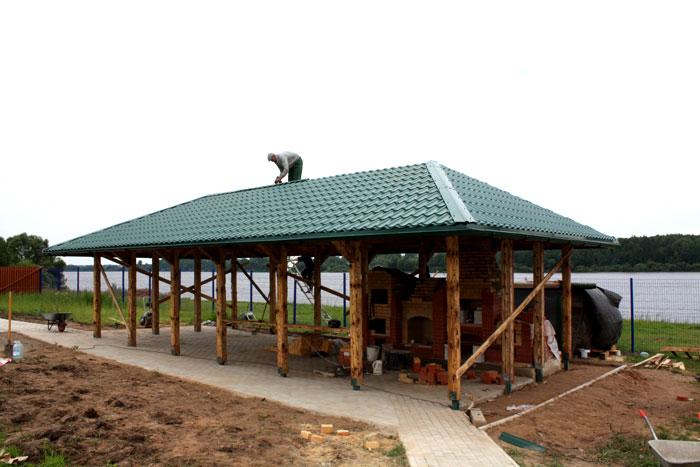 Четырехскатная крыша для большой открытой беседки