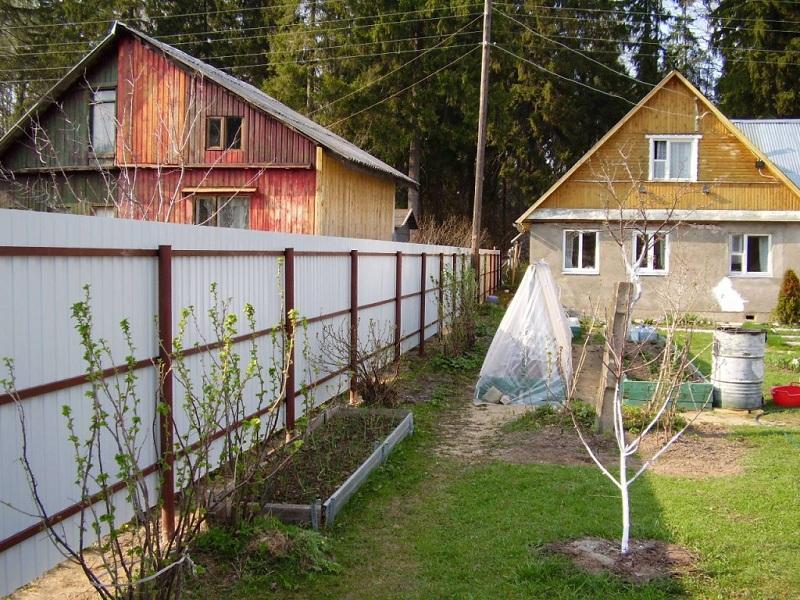 Дом близко к забору - определение минимально допустимого расстояния