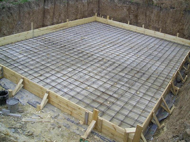 Фундамент под деревянный дом самостоятельно, заливаемый бетон