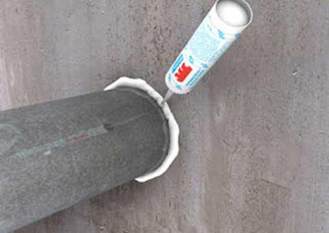 Как правильно обработать проход дымохода термостойким герметиком