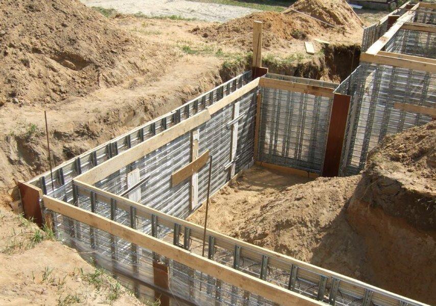 Какой фундамент выбрать для дома на песчаной почве