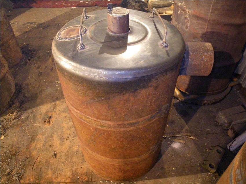 Печь буржуйка, конструкция из бензиновой бочки