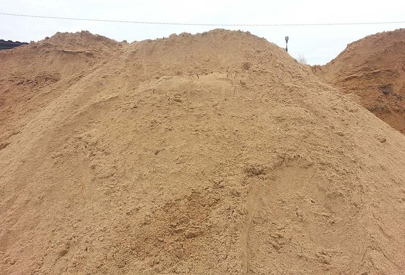 Песок для фундамента для дачи, плюсы речного песка