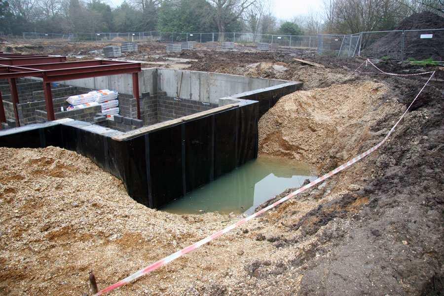 Вариант обустройства фундамента при высоком уровне грунтовых вод