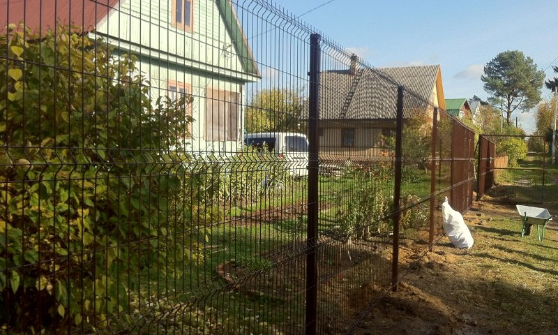 Забор из сетки Гиттер для загородного участка