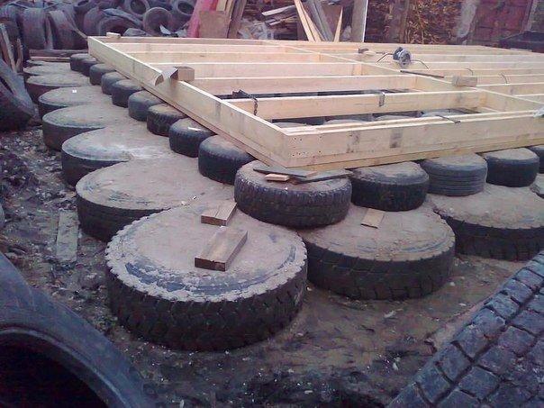 Фундамент для сарая на даче из автомобильных покрышек