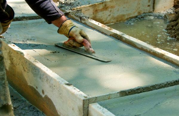 Как выровнять фундамент дачного дома после заливки