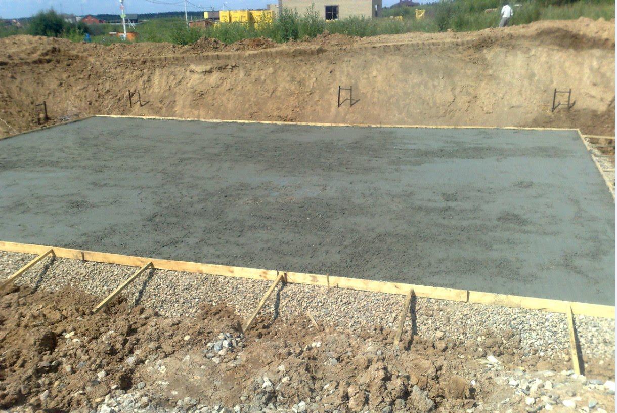 Особенности бетонной подготовки под фундамент дачи