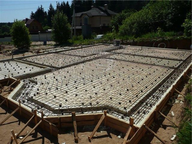 Как правильно залить фундамент под каркасный дом