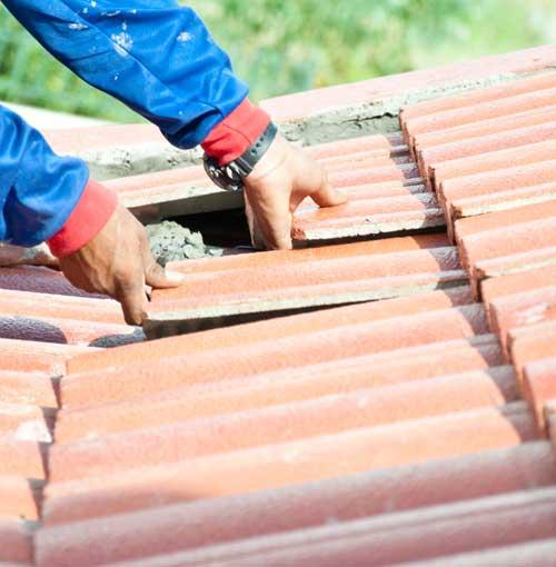 Как самостоятельно провести ремонт крыши дачного дома