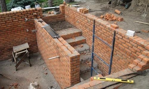 Особенности постройки погреба из кирпича