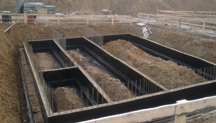 Строительство фундамента дачи на глинистой почве