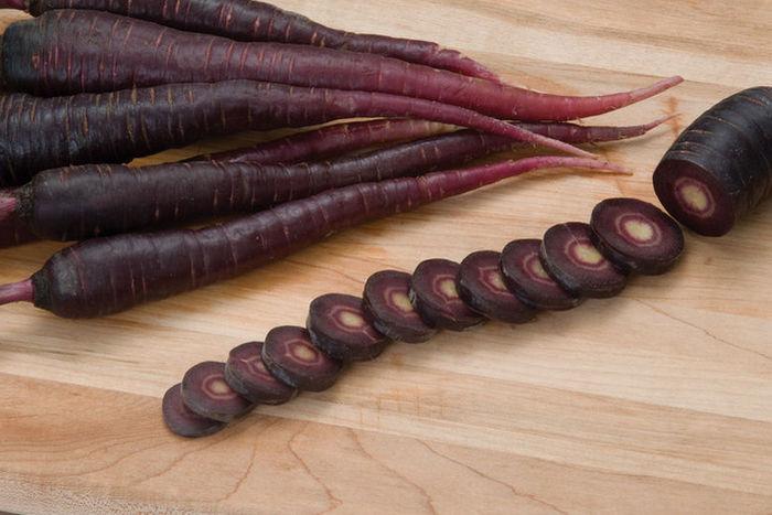 Как использовать черную морковь в кулинарии