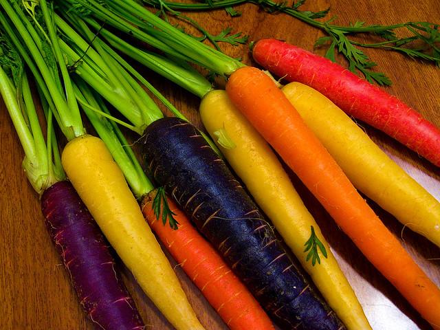 В чем отличие черной моркови от оранжевого сородича