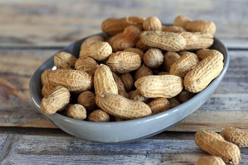 Чем полезен арахис - содержание витаминов, микроэлементов