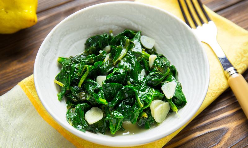 Как приготовить шпинат без потери полезных веществ