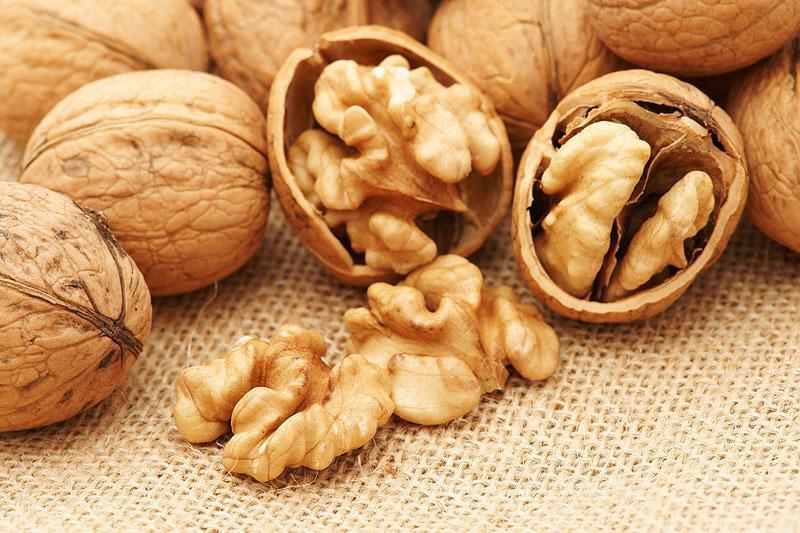 Как выбрать орех, содержащий максимальное количество полезных веществ