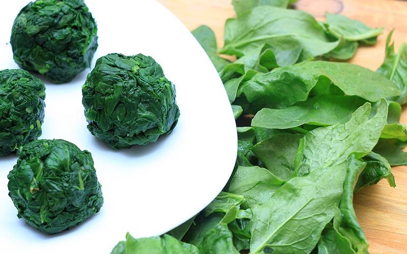 Для лечения каких заболеваний следует есть шпинат