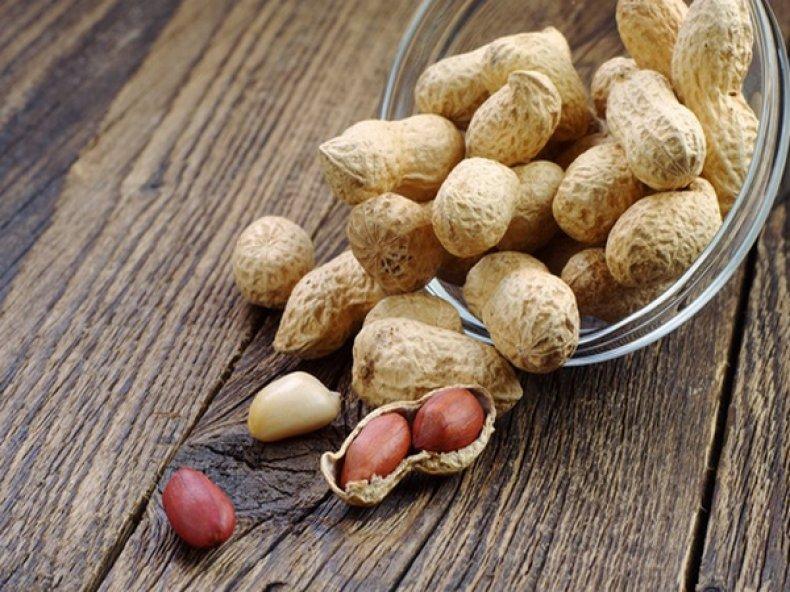 Противопоказания к приему в пищу земляного ореха