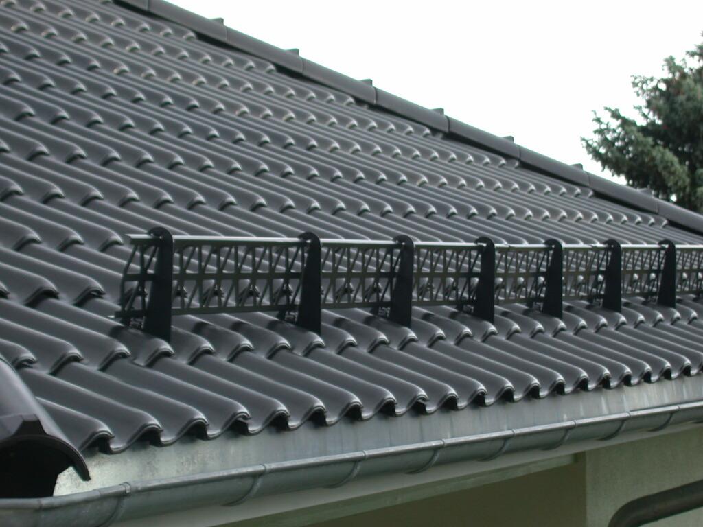 Решетчатые снегозадержатели на крышу