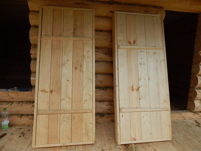 Двери в сарай с досок