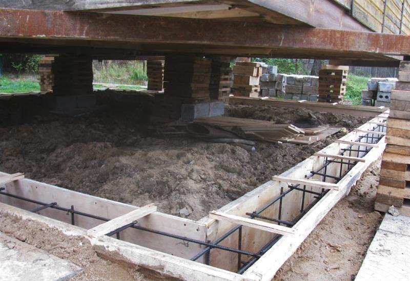 Как сделать фундамент под готовым домом 1